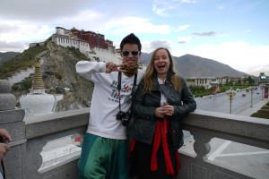 2 Beate mit chin Touristen