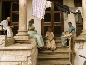 _25 Frauenin Ahmedabad