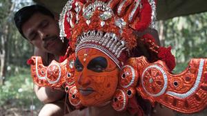 theyyam-festival-klein
