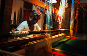 Silk-Weaving-Mysore-klein